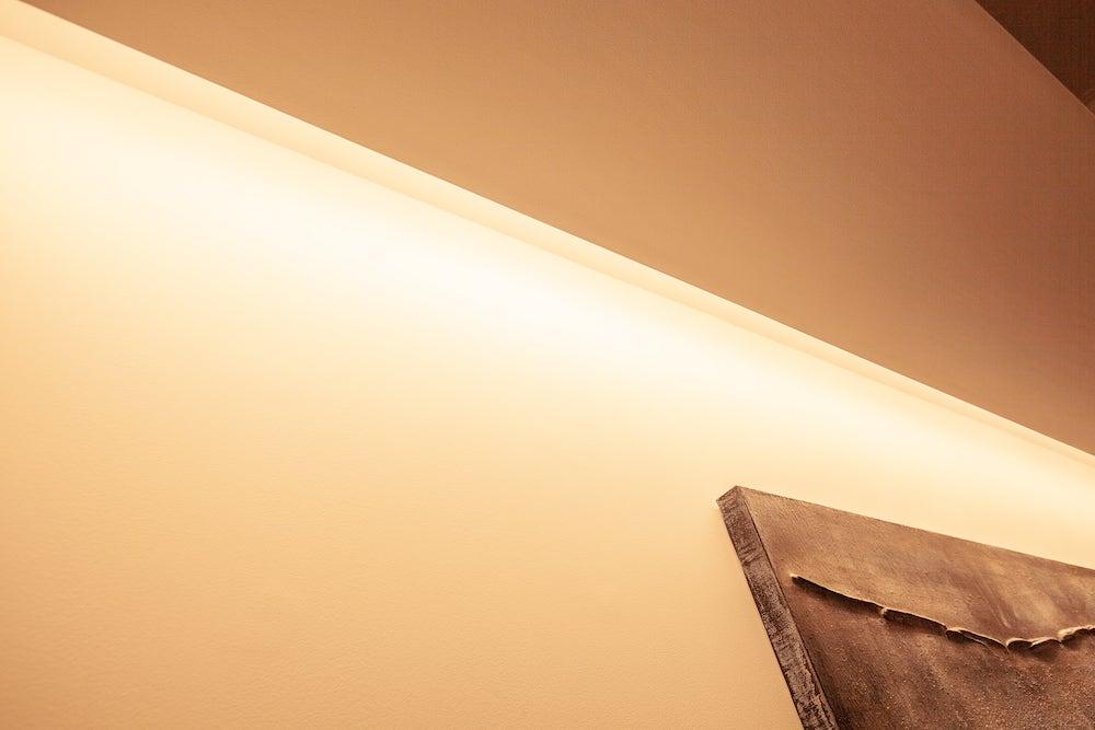 リビングの天井の間接照明