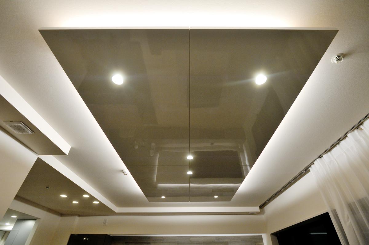 天井にボードをつけるリノベーション